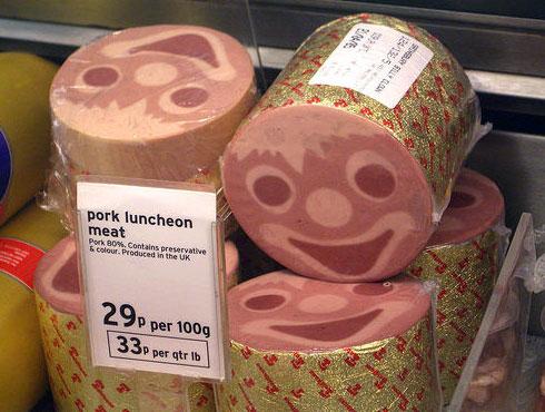усміхнена ковбаса