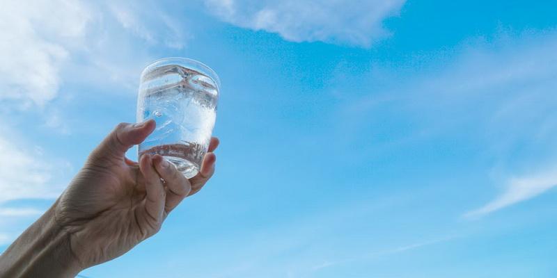 Притча: Склянка з водою